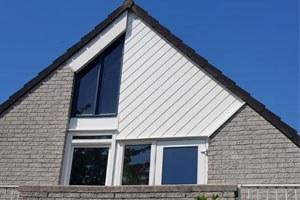 Kunststof kozijn en gevelbekleding voor woning in Almere